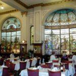 Las Violetas, un clásico de Buenos Aires, el bar notable preferido de los porteños