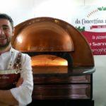 Como en los 90: el mejor maestro pizzero del mundo pone de moda la pizza con champagne