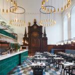 Para comer como los dioses: el restaurant de Londres que funciona… ¡dentro de una iglesia!