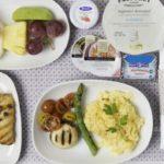 Comer en el avión: mitos y verdades sobre la gastronomía área