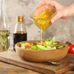 4 secretos que seguro no sabías a la hora de condimentar ensaladas