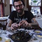 La esquina de Caballito donde se comen los mejores pescados hace 85 años