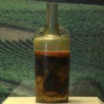 Conocé el vino más antiguo del mundo que los científicos no quieren abrir