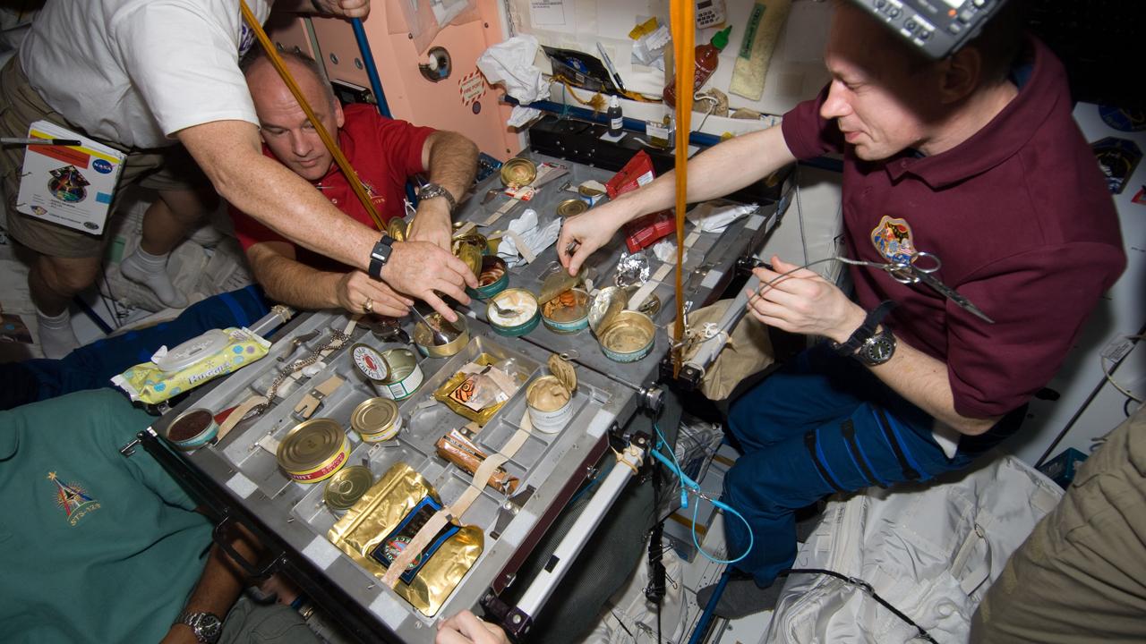 Comer en el espacio: así es la dieta de un astronauta - Cucinare