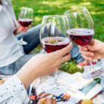 Tips imprescindibles para tomar vino tinto en verano