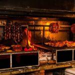 Tips para elegir la mejor parrilla para comer carne argentina de primera