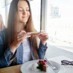 Confirmado: el mejor truco para triunfar en Tinder tiene que ver con la comida