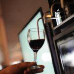 Vino tirado: la transgresora propuesta de un bar de Rosario