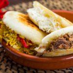 La noche de las arepas: la delicia caribeña, a mitad de precio en Buenos Aires