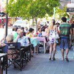 Decisión polémica: los restaurantes y bares porteños dejan de pagar por poner mesas en las veredas