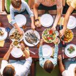 ¿Desde cuándo usamos la mesa para comer?