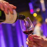 Los mejores vinos de alta gama en un evento de lujo