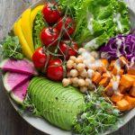 Dos especialistas opinan sobre los riesgos de no comer carne