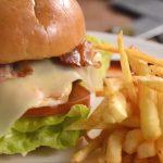 Los 3 ingredientes que hacen irresistible a la comida chatarra