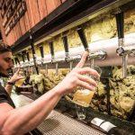 La noche de las birrerías: mucho más que cerveza con amigos