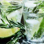 El particular origen del agua tónica, la bebida que combate la sed