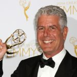 Anthony Bourdain sigue escribiendo