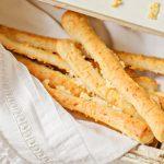 La ANMAT prohíbe la venta de unos palitos de queso