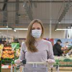 Por qué no hay advertencias sobre la presencia del coronavirus en los alimentos