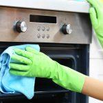 Consejo clave para la cuarentena: aprendé a limpiar el horno, paso a paso