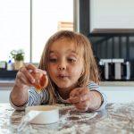 Cuarentena, el momento ideal para iniciar a los más chicos en la cocina