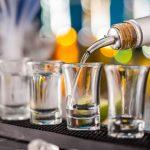 Rey del vodka: la historia del hombre que puso en el mapa a una bebida antes desconocida