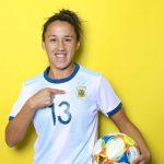 La jugadora de la Selección Argentina de fútbol que cocina para ayudar a las familias carenciadas de su barrio