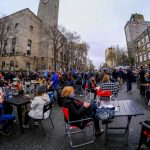 Restaurant a cielo abierto en Mar del Plata: la inusual protesta para pedir a Axel Kicillof la reapertura de la gastronomía