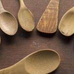 Cuchara de madera, un utensilio tan antiguo como imprescindible para tu cocina