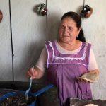 Tiene 70 años, cocina en YouTube para 3 millones de suscriptores y se convirtió en una de las mujeres más influyentes de México