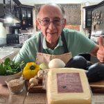 Youtuber a los 79 años: perdió su trabajo, se puso a cocinar y sus tutoriales se convirtieron en un éxito