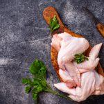 Coronavirus: China acusa a Brasil de venderle alitas de pollo infectadas
