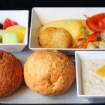 Ofrecen comida de avión por delivery para los que extrañan viajar