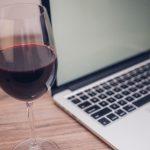 Catas de vino virtuales: botellas escondidas, jugo de arándanos y otros trucos de una tendencia que llegó para quedarse