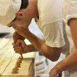 Gastronomía e inclusión: la emotiva historia de Eduardo, el pastelero con Trastorno del Espectro Autista