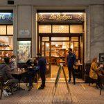 Mesas al aire libre: así fue el primer día de reapertura de bares y restaurants en Buenos Aires
