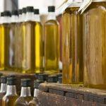 La ANMAT prohibió dos aceites y un suplemento dietario