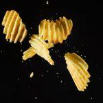 Comer con los oídos: la ciencia explica por qué la comida crocante es más rica