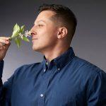 Huelo, luego existo: el libro que analiza la influencia de los olores en la historia de la humanidad