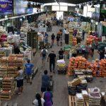 Advierten que las frutas en supermercados cuestan más del doble que en el Mercado Central