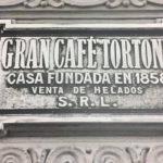 Café Tortoni: robaron la placa original de la fachada del bar más emblemático de Buenos Aires