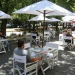 La impericia para controlar la pandemia destroza la gastronomía y el turismo