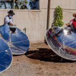 Cocinar con energía solar, el método que utiliza un restaurant para no dañar al medio ambiente