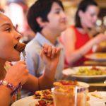 Un extraño menú infantil: el restaurant que bautizó a sus platos con nombres muy curiosos para que los más chicos no se nieguen a comer