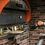 El robot pizzero que asombra al mundo y pone en jaque a los grandes maestros del mundo: prepara 80 grandes por hora