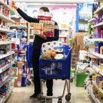 Varados en Miami: cuánto gastan en comida los argentinos que no pueden volver al país