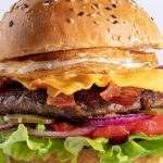 Carne regenerativa: lanzan la primera hamburguesa argentina elaborada en un laboratorio