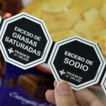 Ley de etiquetado aprobada: sera obligatorio identificar alimentos con excesos de grasas, azúcares, colesterol y sodio